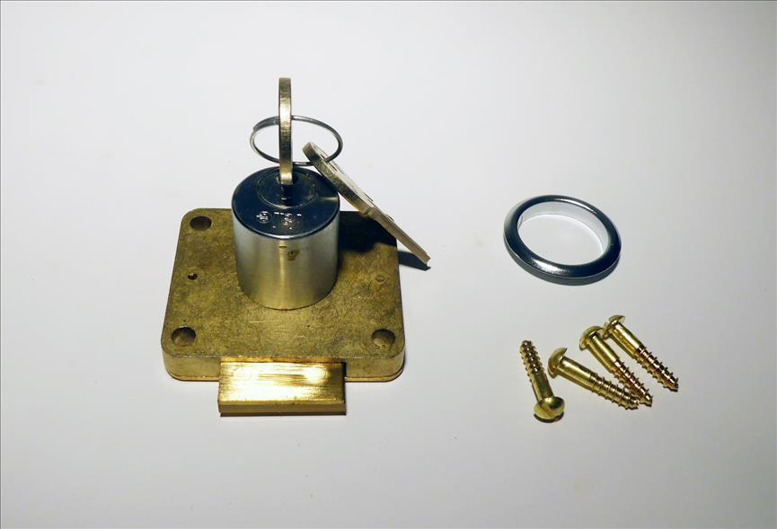 Yale Cupboard Deadlock Brass