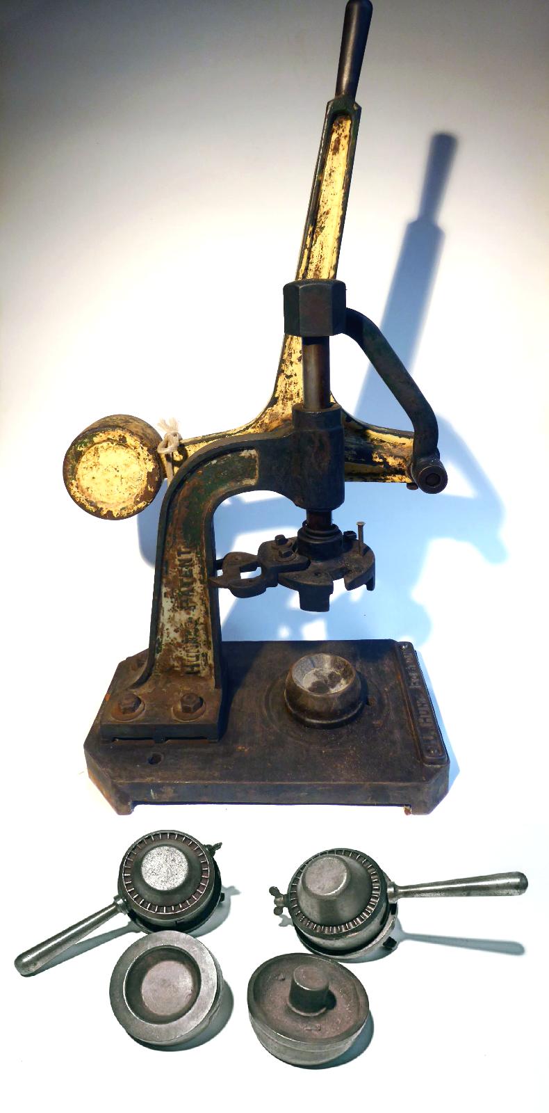 Pie Making Press / Machine J. Hunt Bolton Champion Range (A Die Set Included)